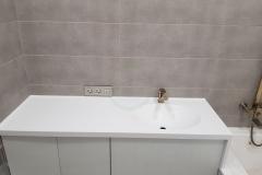 в-ванную-с-раковиной-из-искусственного-камня-Staron-SQ019-1-3
