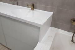 в-ванную-с-раковиной-из-искусственного-камня-Staron-SQ019-1-4