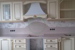 кухонная-с-фартуком-из-искусственного-камня